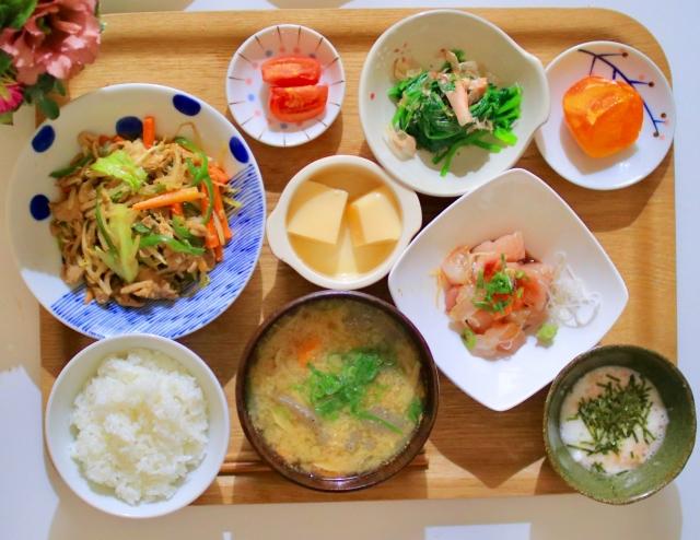 食堂の食事